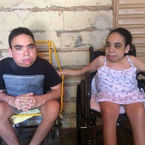 Família faz campanha para ajudar irmãos com síndrome rara