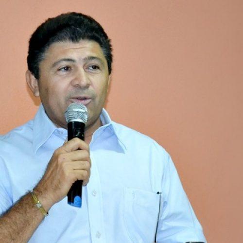 Ex-prefeito de Geminiano é condenado após ofender promotor em rádio