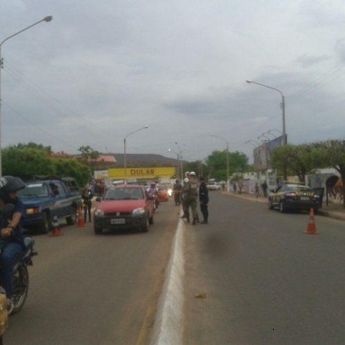 Em Picos, mais de 200 veículos fazem transporte irregular de passageiros