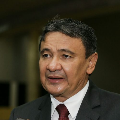 Wellington Dias apresenta projeto sobre pagamento de terceirizados