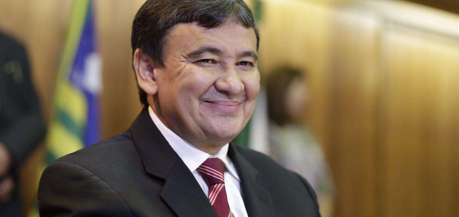 Wellington Dias sanciona lei que aumenta impostos no Piauí em 2018