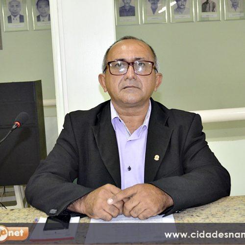 Vereador Divino Macedo requer construção de viveiros para a produção de mudas de caju em Jaicós
