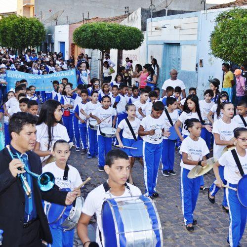Caridade comemora Dia da Independência com grande desfile cívico; veja fotos