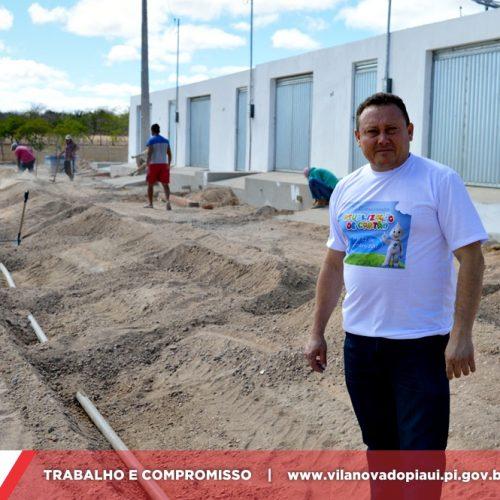 Prefeito Edilson Brito amplia rede de tubulação de água no bairro Ulisses Guimarães em Vila Nova do PI