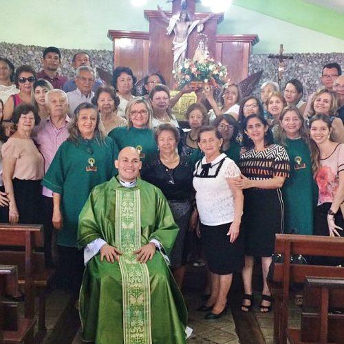Imagem peregrina visita lares da Colônia Jaicoense em Teresina; veja fotos