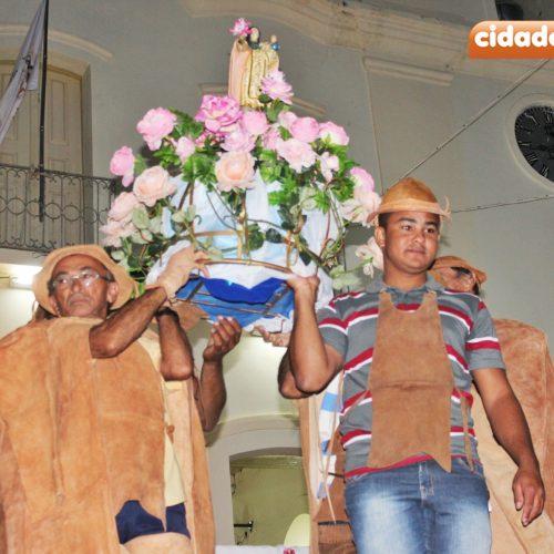 Vaqueiros homenageiam Nossa Senhora das Mercês na 3° noite de novena em Jaicós