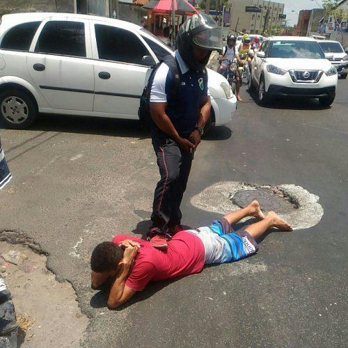 No Piauí, assaltantes colidem contra 10 carros ao fugirem da PM
