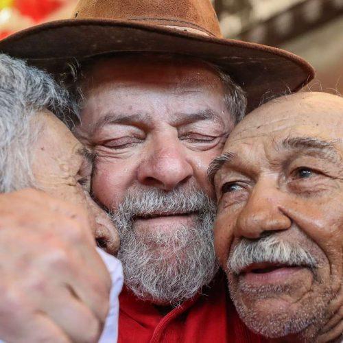 Lula encerra caravana pelo Nordeste renovado pelo contato com povo