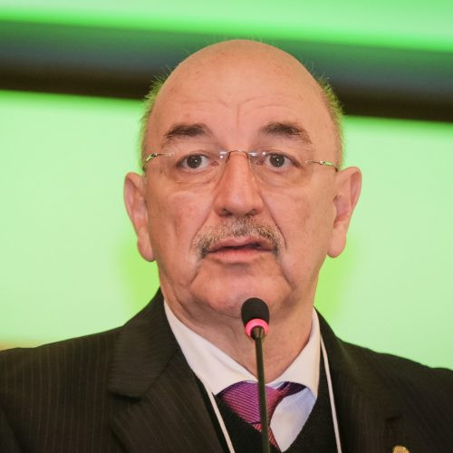 Governo quer saída de um milhão de pessoas do Bolsa Família