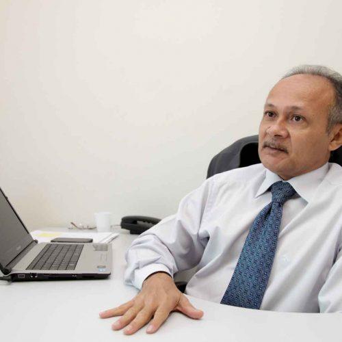 Promotor quer corte nos cargos comissionados e expede recomendação a W.Dias