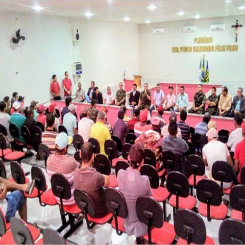 Reunião discute operação carro pipa em Simões