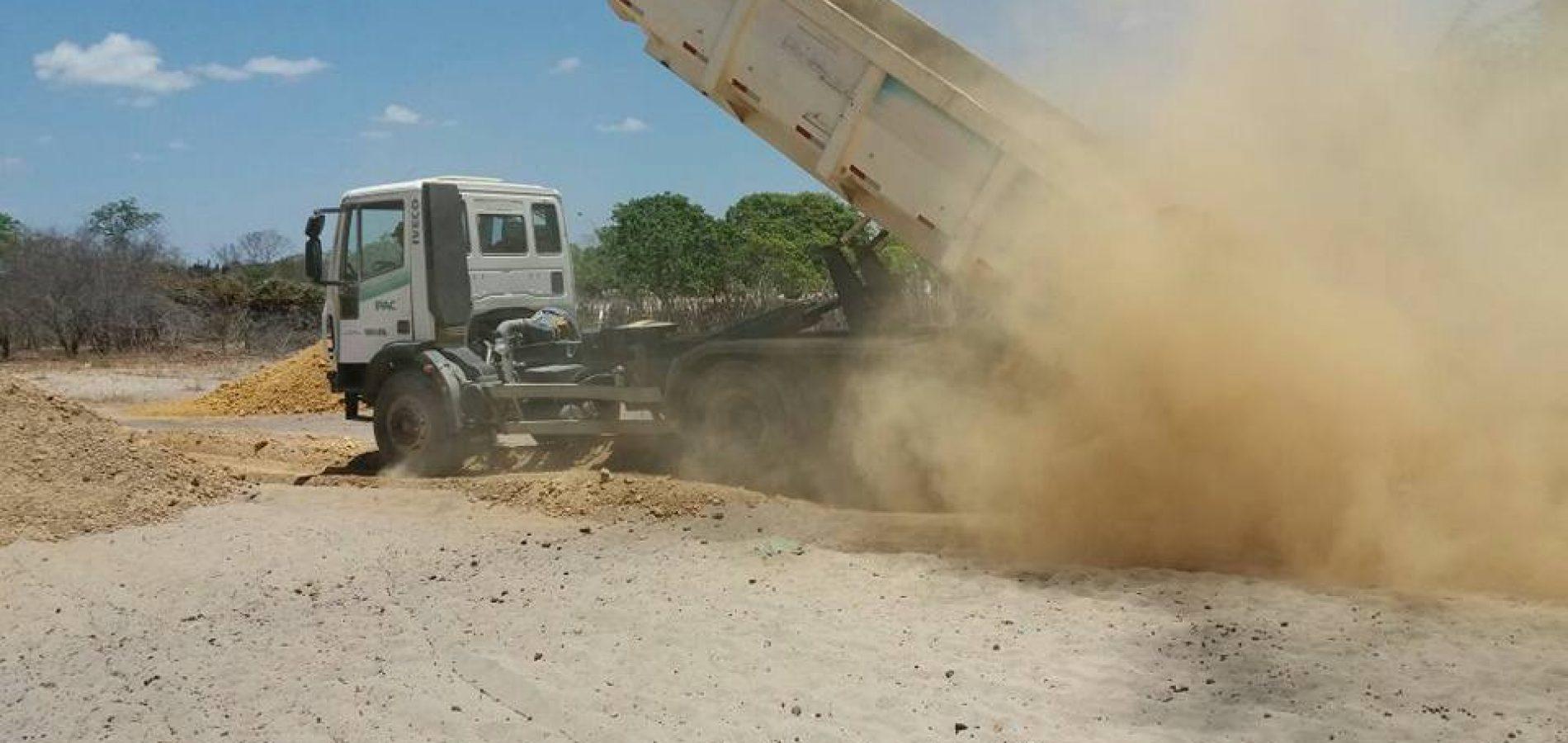 Prefeitura recupera estradas vicinais da zona rural de Jaicós