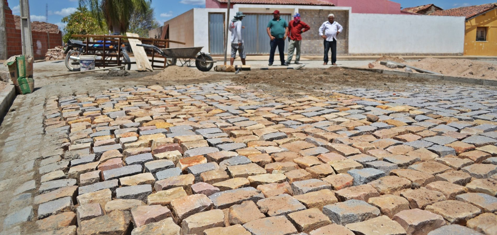 Prefeitura de Belém do Piauí investe recursos próprios na pavimentação de ruas
