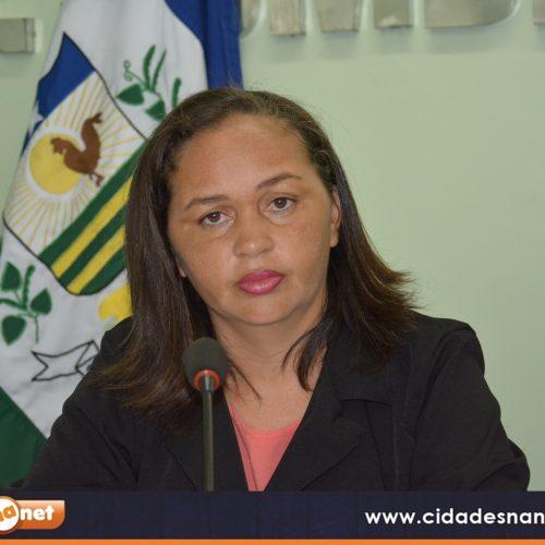 """Vereadora Sirlene solicita serviços do projeto """"Caminhão Digital"""" para o município de Jaicós"""