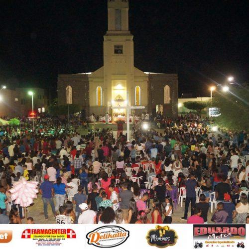 FOTOS | Missa e grande leilão fazem parte da programação dos Festejos de São Simão em Simões