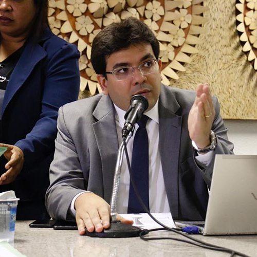 Estado está proibido de dar aumento e nomear concursados, diz secretário
