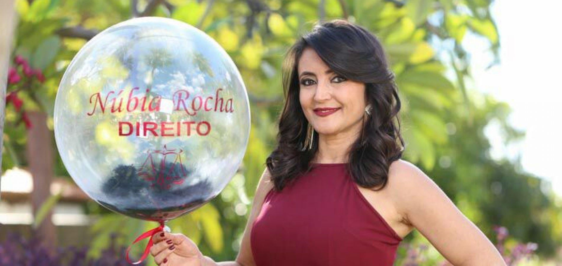 VILA NOVA | Professora Núbia Rocha é aprovada na OAB e comemora conquista com familiares e amigos