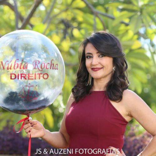 VILA NOVA   Professora Núbia Rocha é aprovada na OAB e comemora conquista com familiares e amigos
