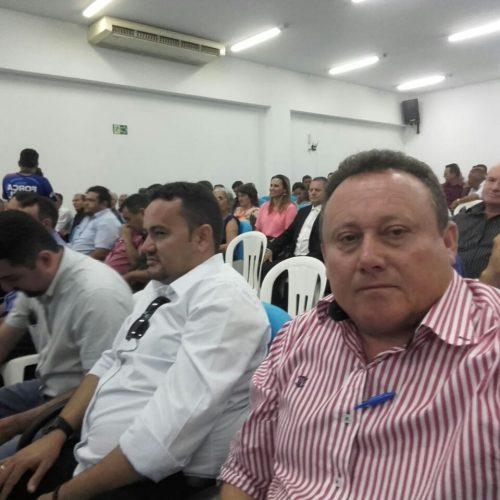 Em busca de soluções para a crise, prefeito Edilson Brito participa de audiência com bancada federal