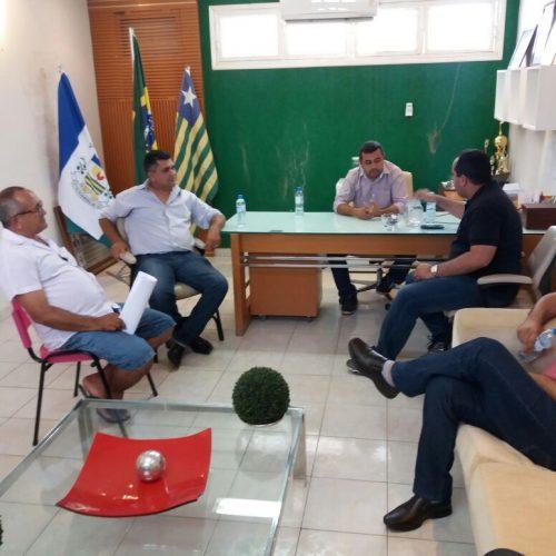 Prefeito Neném de Edite se reúne com deputado Georgiano Neto e lideranças municipais e discute sobre obras para o município de Jaicós
