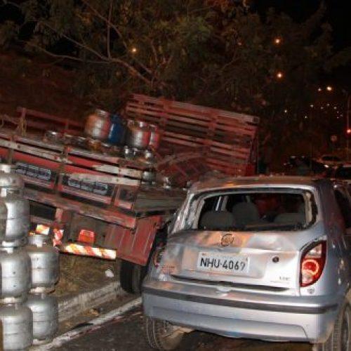 Caminhão e mais três veículos se envolvem em acidente na BR 316