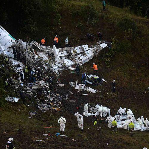 Famílias de vítimas de voo da Chape  entram na justiça para barrar documentário sobre o time