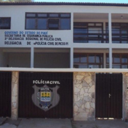 Homem é preso acusado de abusar de afilhada em Picos