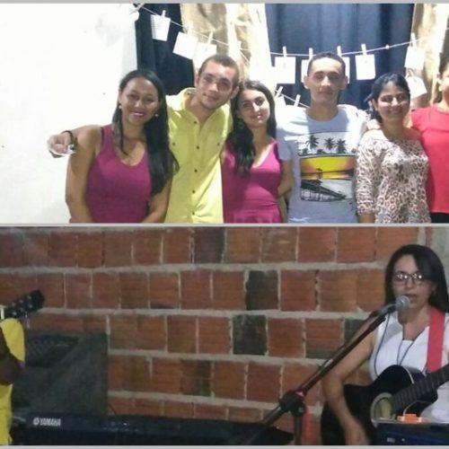 ALAGOINHA | Grupo de amigos realizam sarau para cantar e declamar o amor