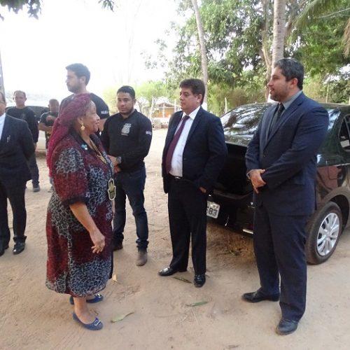 No PI, ministra dos Direitos Humanos acompanha caso de garoto encontrado em cela