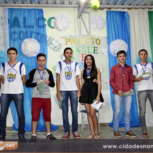 MASSAPÊ   Escola Rafael Manoel da Costa premia alunos que se destacaram em avaliações