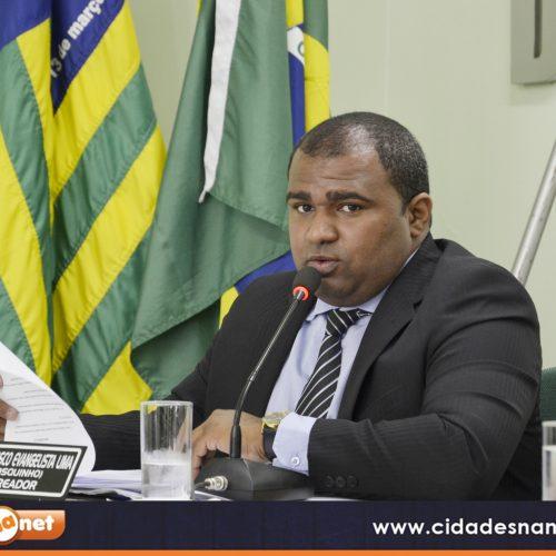 JAICÓS   Vereador Bosquinho solicita obras de calçamento e reforma do Centro de Convivência dos Idosos