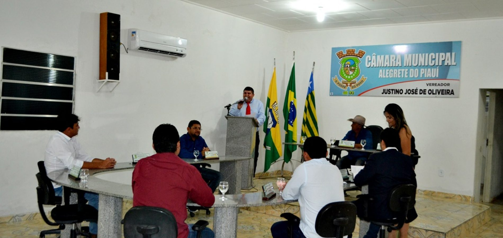 Câmara de Alegrete do PI aprova projeto que autoriza Executivo adotar Diário Eletrônico da APPM e vereadores discursam