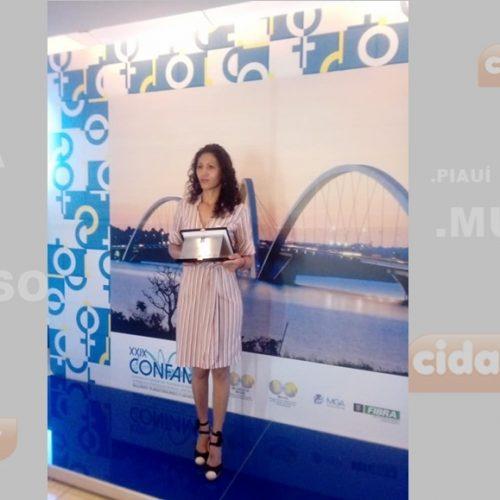 JAICÓS | Artesã de Várzea Queimada recebe Prêmio Sebrae Mulher de Negócios em Brasília