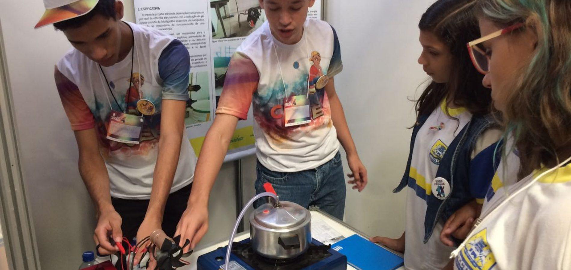 Estudantes de Araripina apresentam em Feira de Ciência no Recife-PE trabalho sobre geração de energia alternativa