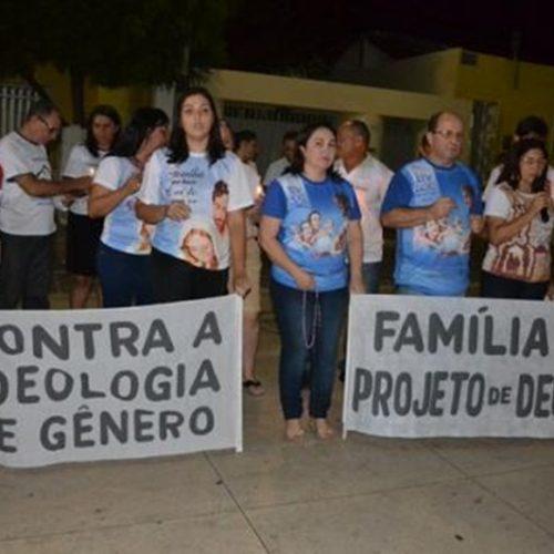 Famílias picoenses realizam ato contra Ideologia de Gênero e a favor dos princípios cristãos