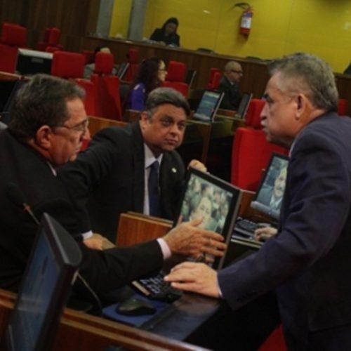 Deputados solicitam providências junto ao TCU sobre irregularidades do governo