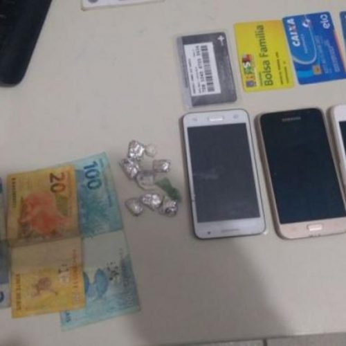 Mulher finge ser cliente para furtar celular de funcionária de salão em Picos