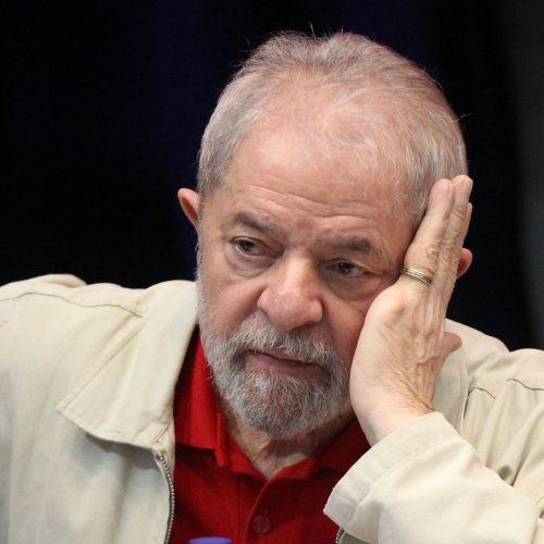 Ministro do STJ nega pedido para evitar que Lula seja preso
