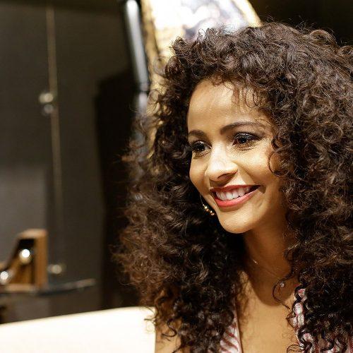 Piauiense Monalysa Alcântara fica no Top 10 do Miss Universo