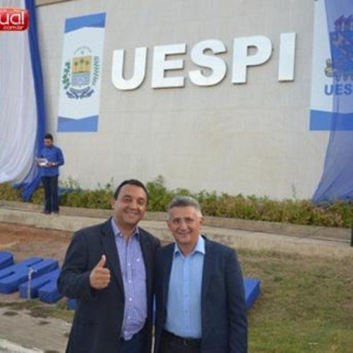 Nouga Cardoso e Evandro Alberto encerram campanha pela reitoria da UESPI em Picos