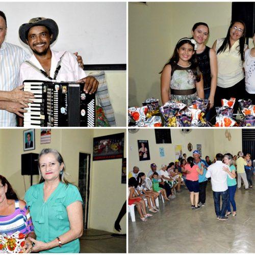 Secretaria de Assistência Social de Vila Nova do PI realiza forró dos idosos com o sanfoneiro Raimundo Nonato; fotos