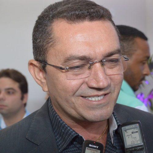 Padre Walmir atrasa dois meses de salário dos professores em Picos