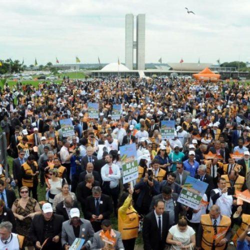 Após protesto em Brasília, prefeitos conseguem auxílio de R$ 2 bilhões
