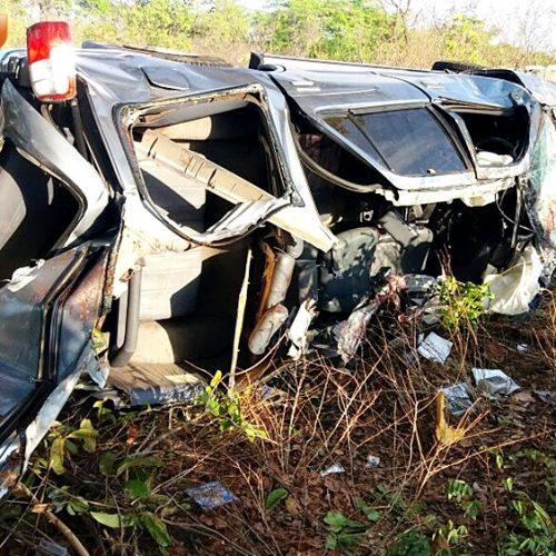 SW4 que colidiu com caminhão na BR 316 ficou destruída; veja fotos