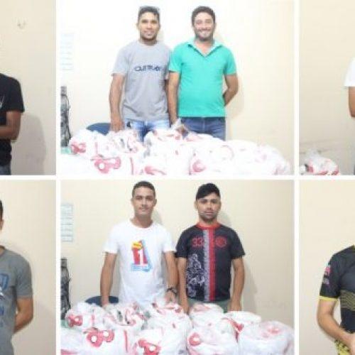 CAMPO GRANDE | Prefeitura faz entrega de bolas de futebol para localidades do município