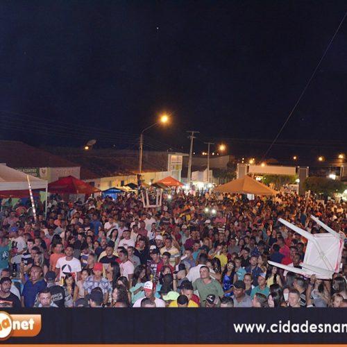 VERA MENDES 22 ANOS   Fotos das apresentações culturais e shows com Matruz com Leite e Gera do Forró