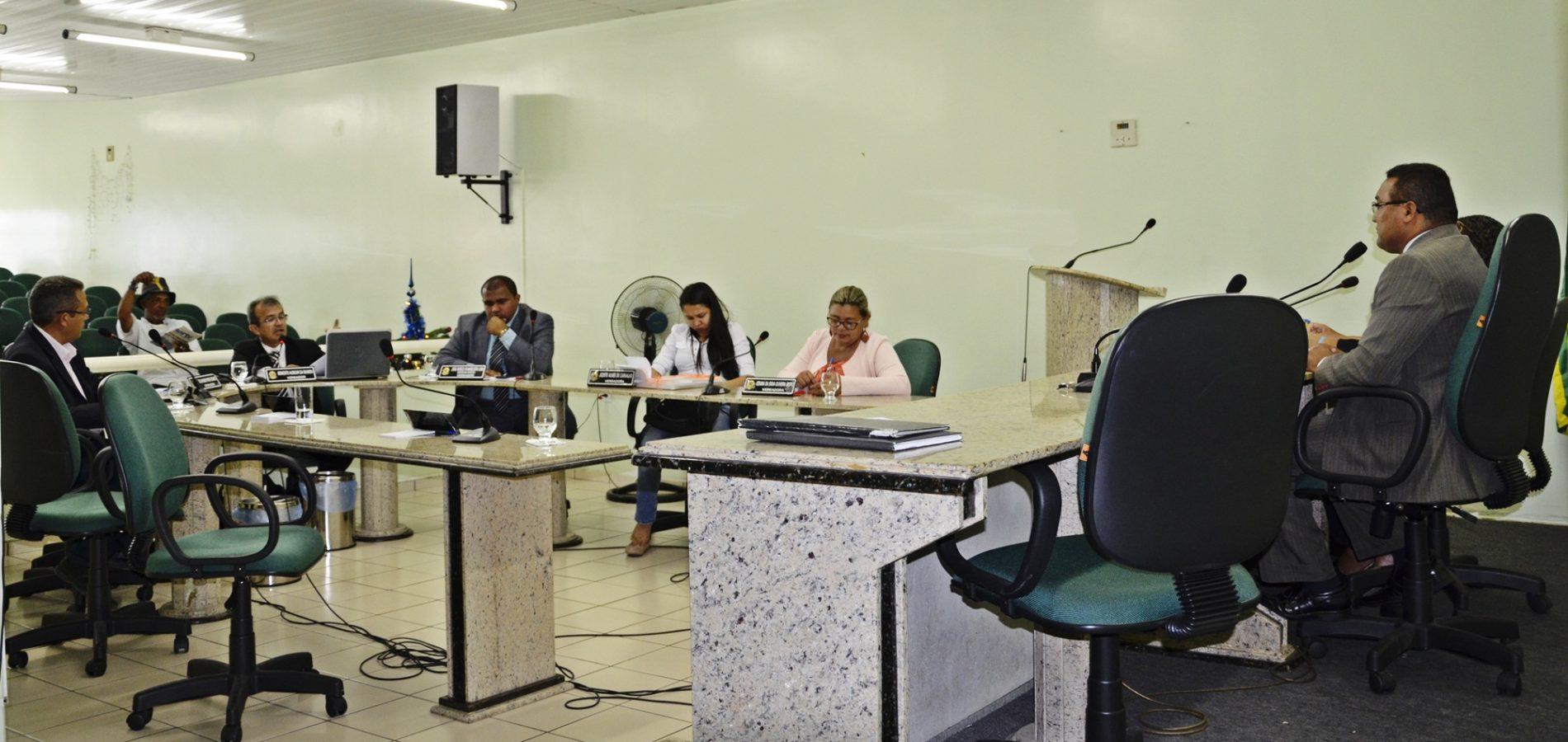 Câmara aprova homenagens a jaicoenses e denomina praça, escola e UBS