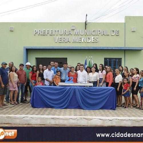 VERA MENDES 22 ANOS | Fotos da partilha do bolo, missa e Circuito Social