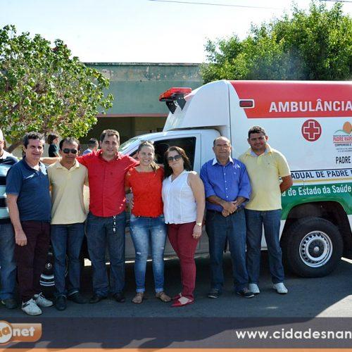 PADRE MARCOS | Prefeito Valdinar apresenta ambulância à população e anuncia mais investimentos na Saúde