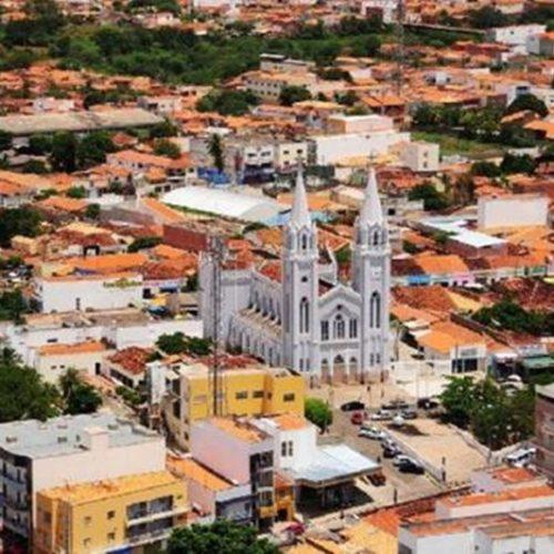 Picos: 127 anos de religiosidade, comércio, trabalho, lutas e dificuldades